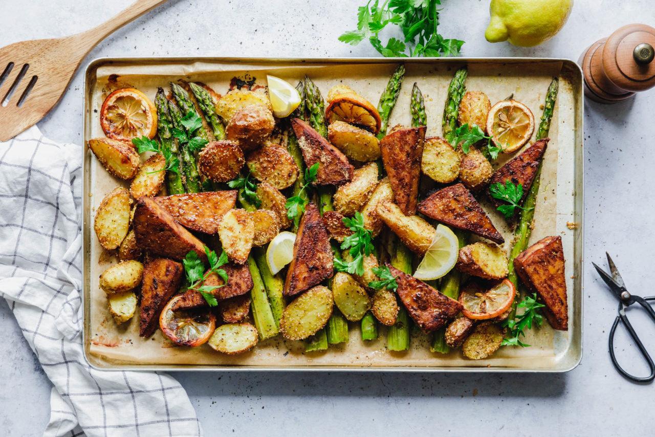 Blechkartoffeln mit Spargel & Tofu