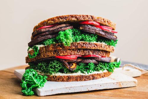 Sandwich mit Pilz-Bacon & Grünkohl